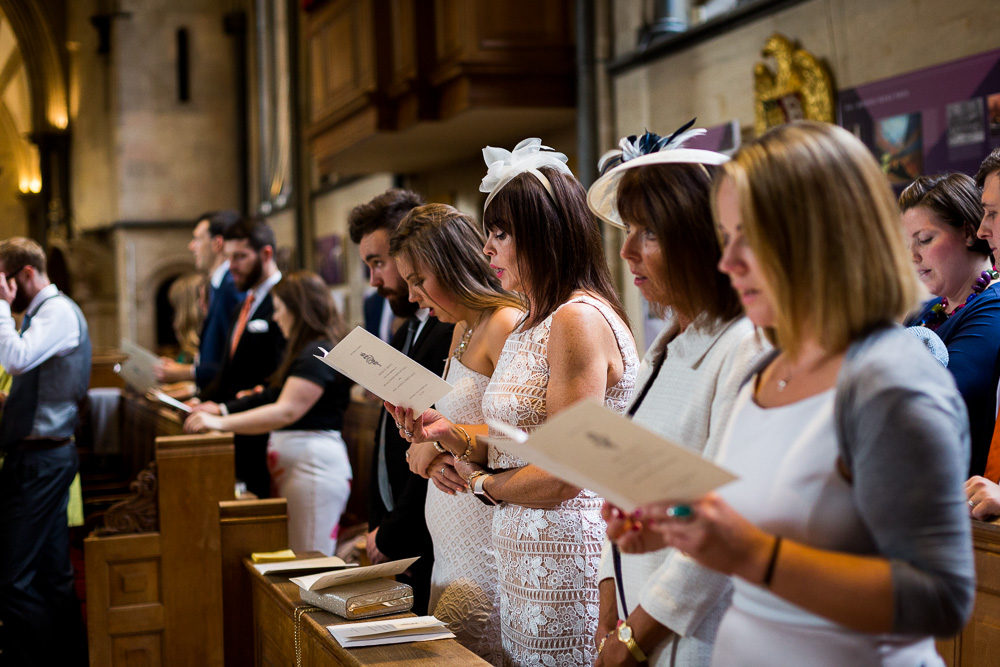 guest singing hymns in temple church
