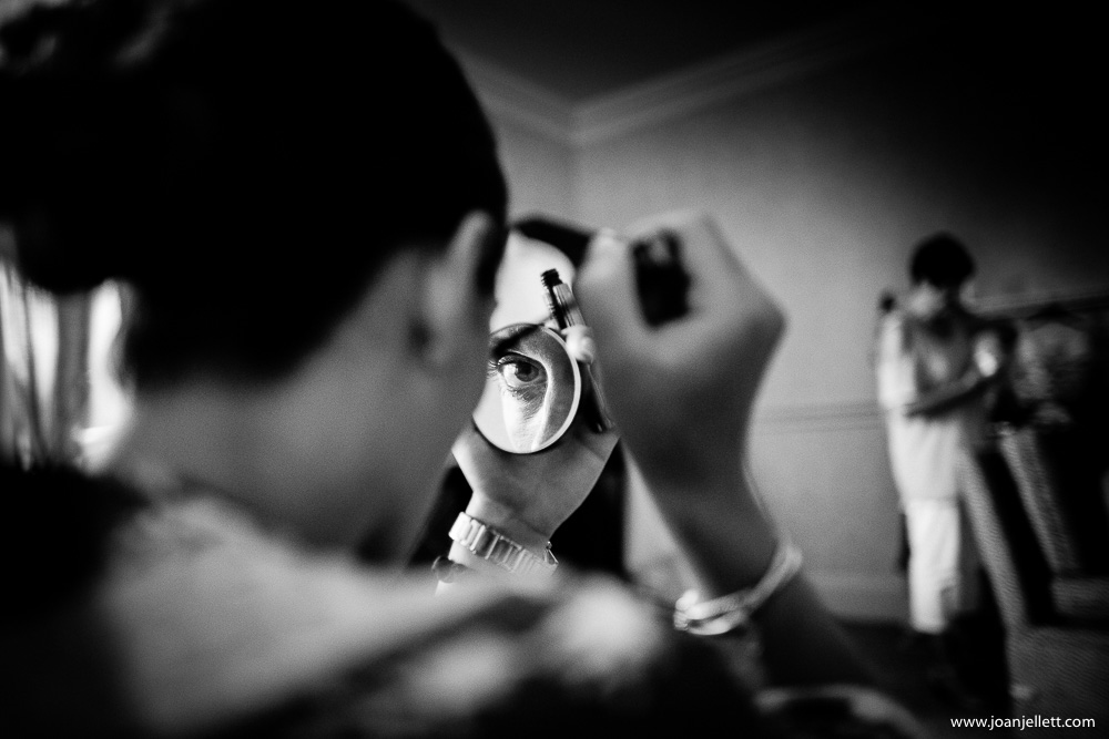 eye shot in the mirror detail