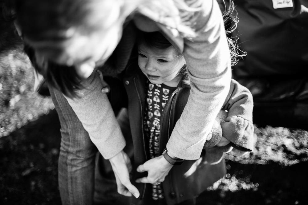 mum zipping coat in black and white