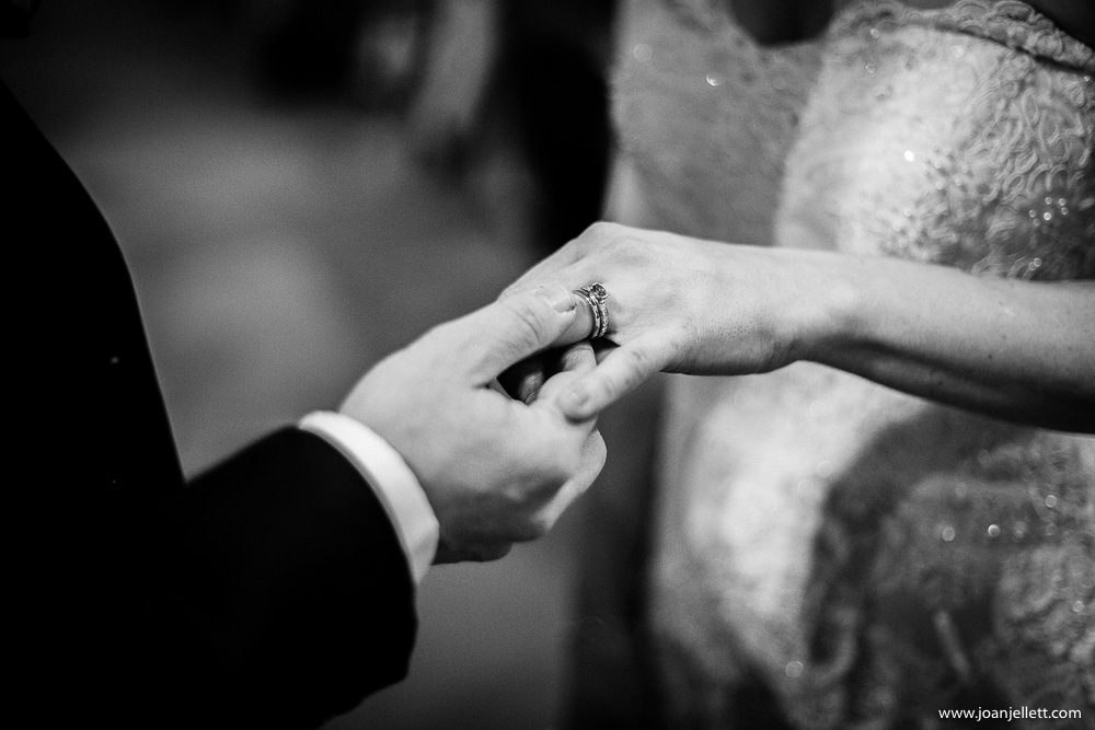 ring exchange of groom and bride