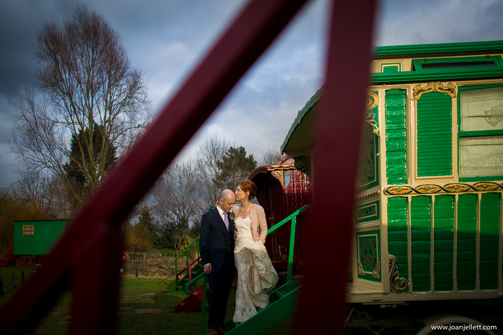 bride and groom kissing in south farm wedding photography