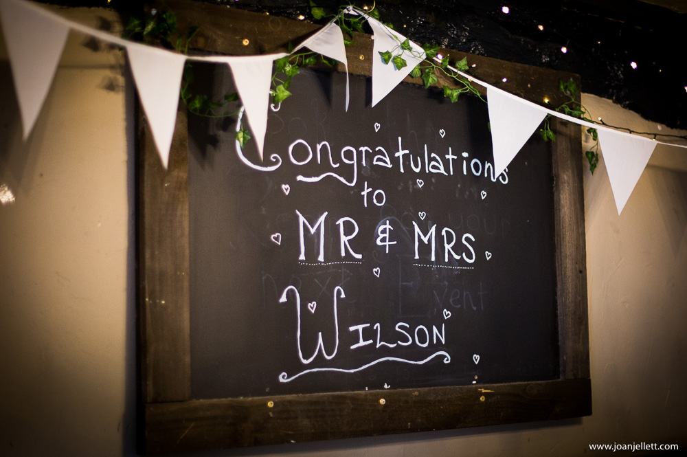 congratulations sign of the bride and groom