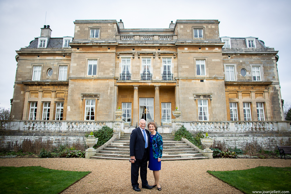 couple anniversary in front of the Luton hoo