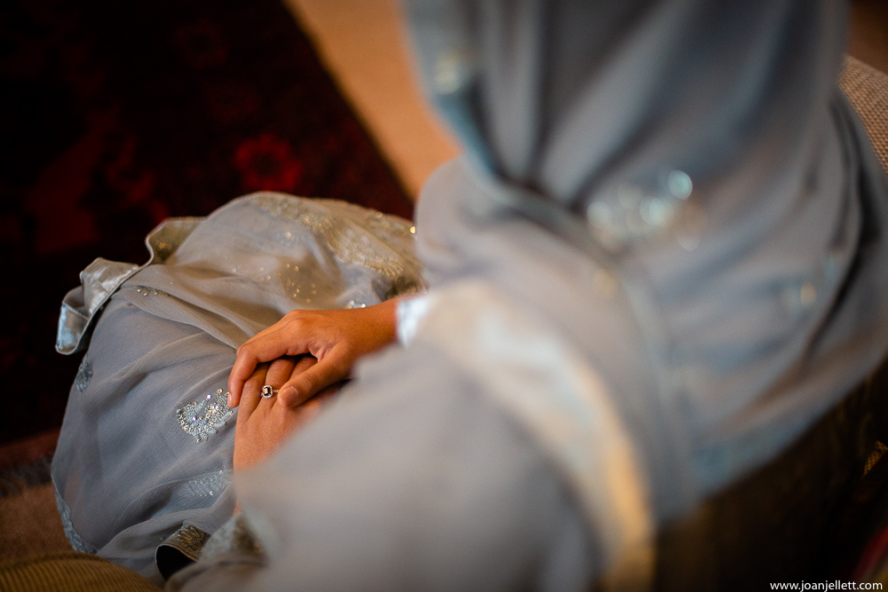 detail shot of the bride's hand